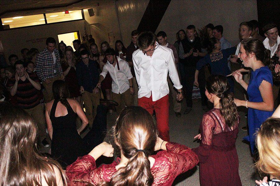 Student Council hosts Sadie Hawkins dance