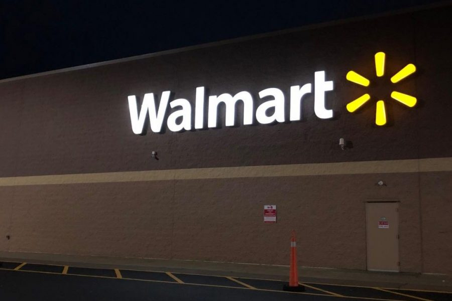 The+Walmart+sign+shines+bright+in+St.+Clair%2C+Pennsylvania.+There+were+rumors+that+the+store+was+closing+but+they+were+proven+false.+%E2%80%9CIt+would+greatly+affect+the+economy+if+the+store+closed%2C%E2%80%9D+said+Naomi+Brode