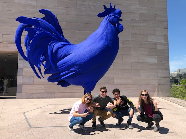 "Sophomores Greta Snukis, Justin Lescavage, Aaron Salisbury, and Destiny Angel pose infront of a blue chicken at the Washington D.C. National Art Museum. Justin Lescavage said, ""I really enjoyed being involved with activities that allowed us to be engaged in both Pub and the city of D.C."""