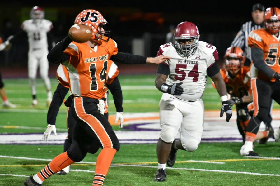 "Senior Stephen McCloud runs toward the ball trying to block the play. The Tide ended their season losing  35-42. ""I feel like we had more to play for,"" said McCloud."