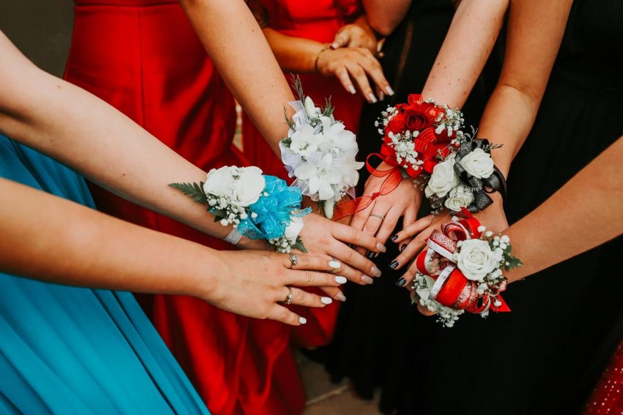8th graders plead for prom